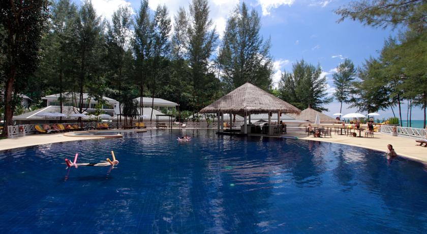 Thailand Khaolak family hotel swiming pool kids
