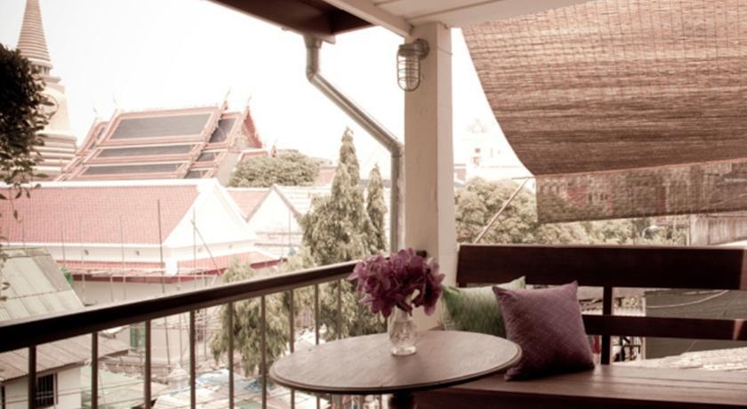 old Bangkok hotel swiming pool travel thailand kids family