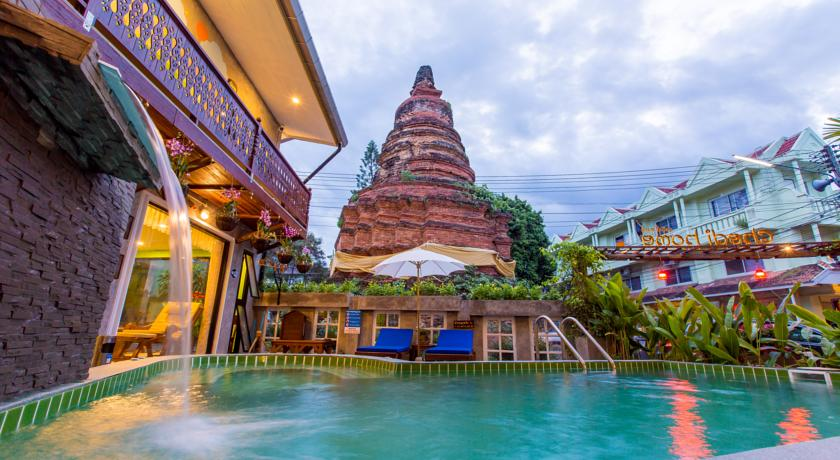 chiang mai hotel swiming-pool thailand family travel with kids