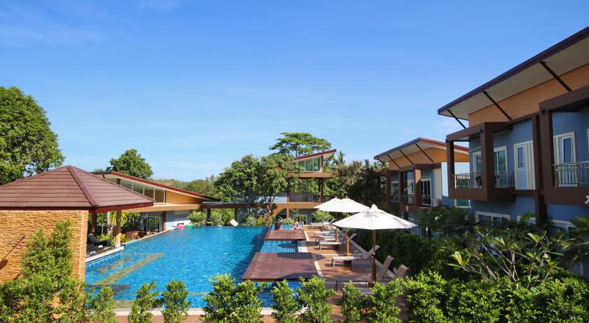 thailand koh lanta with kids swiming pool hotel family travel