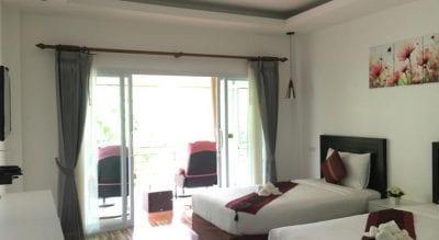 khao sok with kids family travel hotel thailand
