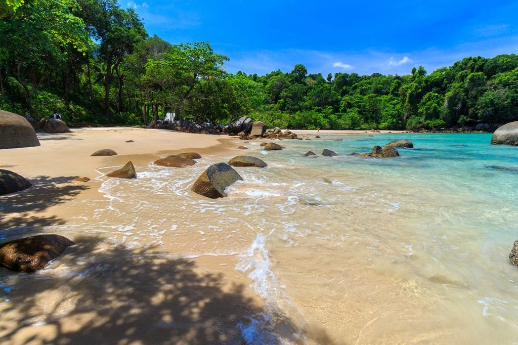 khao lak thailande- plage deserte en thailande