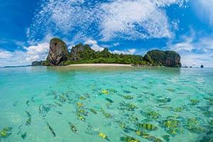 ao nang avec des enfants - koh poda - snorkeling en famille