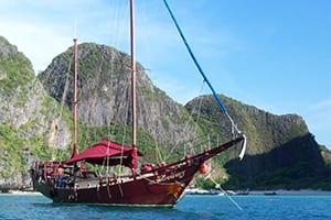 excursion sud thailande avec des ados - bateau en bois thailande