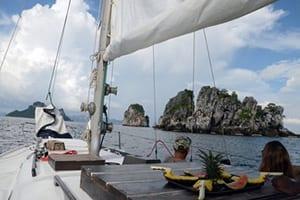 Railay en famille - le sud de la thailande avec des enfants - krabi - activité - croisiere - bateau de luxe - catamaran