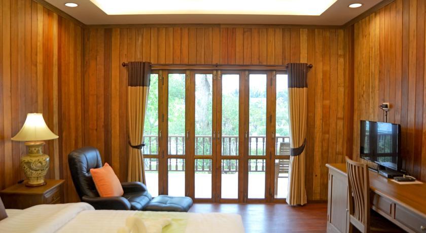 hotel sukhothai thailand family travel with kids swiming-pool