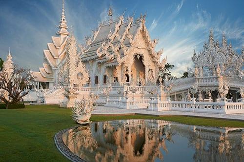 Chiang Rai en famille - temple blanc - visiter la thailande avec des enfants