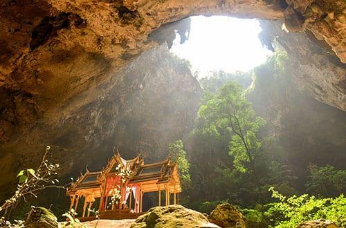 hua-hin-phraya-nakorn-cave-national-park-khao-sam-roi-yotprachuap-khiri-khan-thailand-family-travel-