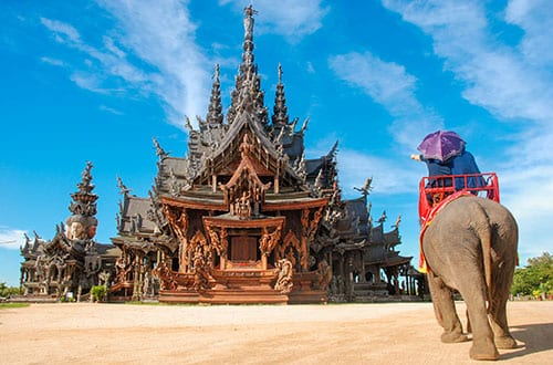 thailand-pattaya-temple-elephant-with-kid