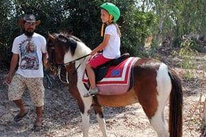 que faire à hua hin avec des enfants - faire du cheval en thailande