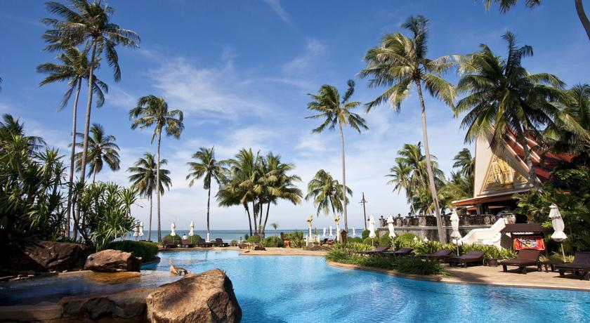 koh chang hotel swiming pool with kids family travel