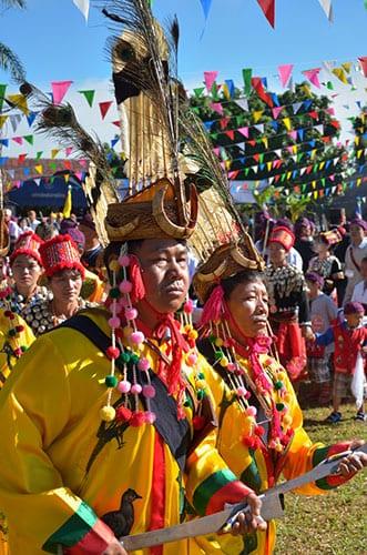 Fêtes en Thailande - chiang mai - costume traditionnel - fête religieuse
