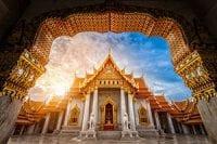 Thailande-bangkok-temple-palais royal-dorure-laque-architecture-or-rouge-toit-pagode-royaume du siam-visite-lieu-activite