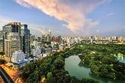 Bangkok - famille - quartier moderne - parc - lac - building