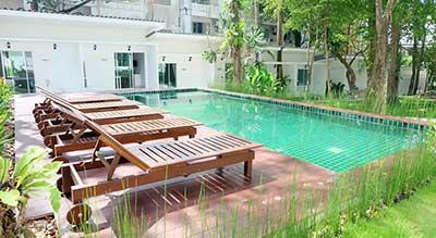 hotel pas cher krabi - thailande avec des ados - hotel piscine ao nang - jardin exterieur - sud thailande