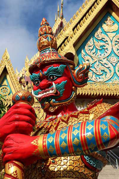 gardien du temple-voyage en thailande avec enfant