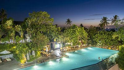hotel francais thailande-koh tao-piscine-jardin-nuit