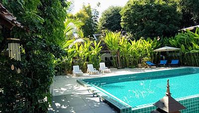 hotel francais thailande-chiang mai-charme-piscine -jardin-riviere