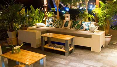 Salon exterieur-terrasse-plage-hotel-koh phi phi-thailande